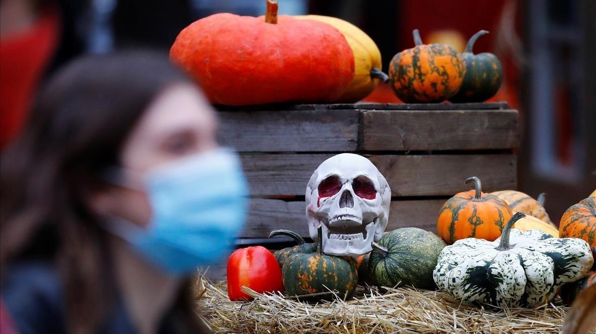 Ni broma ni regal: la Generalitat limita la Castanyada i prohibeix les festes de Halloween