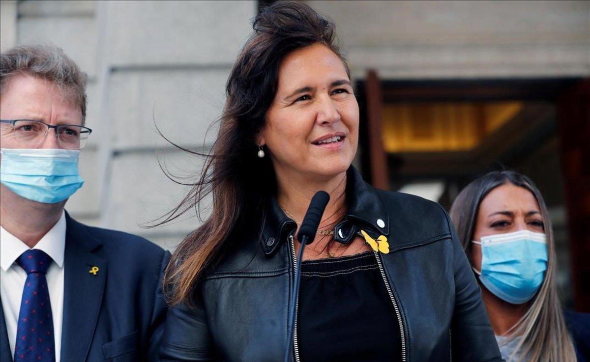 Laura Borràs, alas puertas del Congreso.