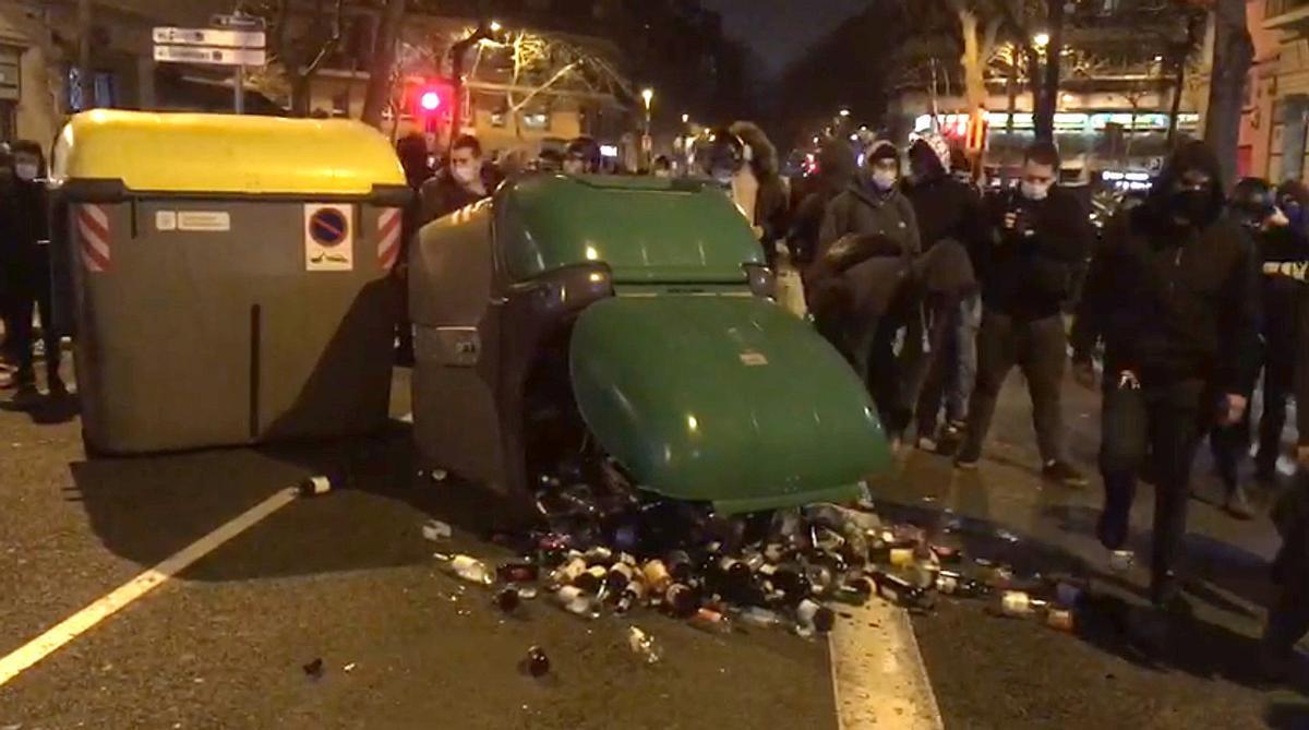Las protestas por Pablo Hasél decaen en la octava noche