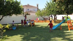 Hora del patio en la guardería Coleta, enMarbella (Málaga).