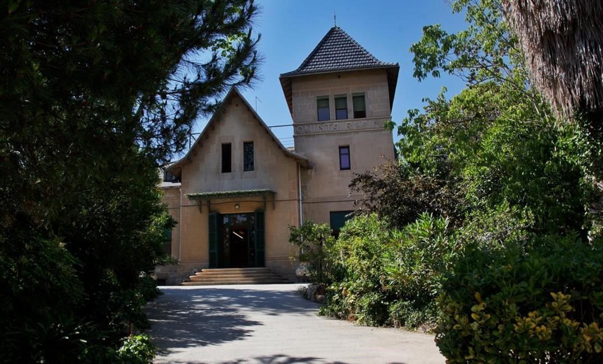 Fachada del edificio de la fundación Maria Raventós, adonde la DGAIA lleva a algunaschicas tuteladas cuando son madres.