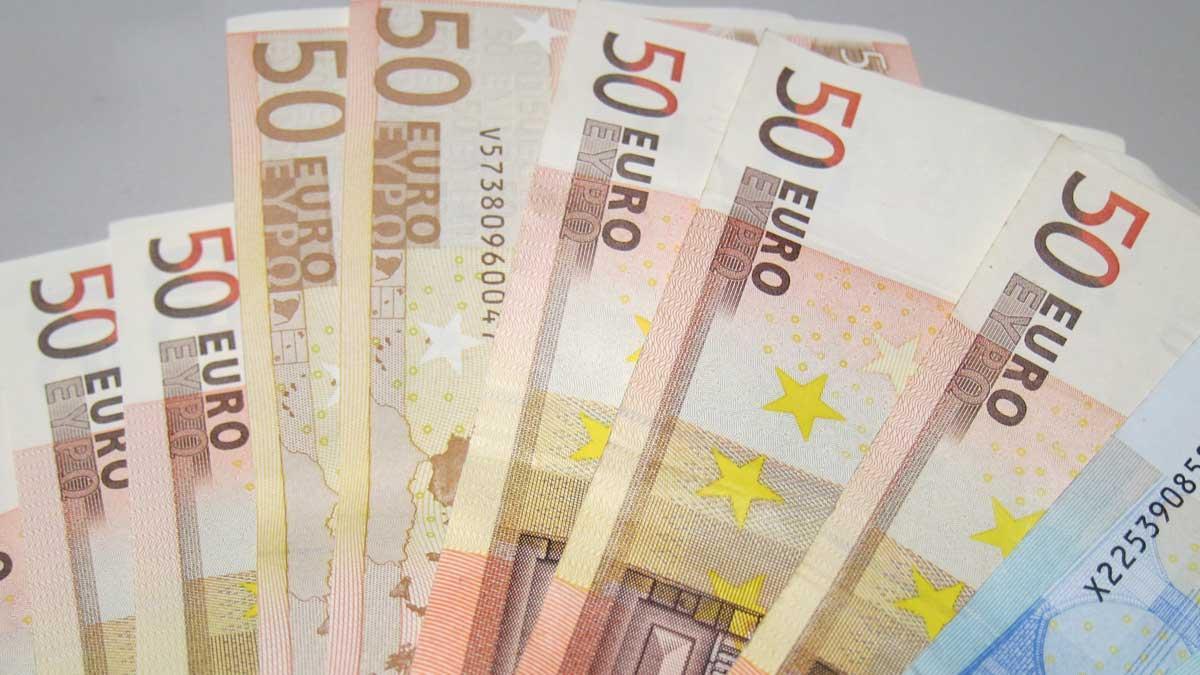 Billetes de cincuenta euros.