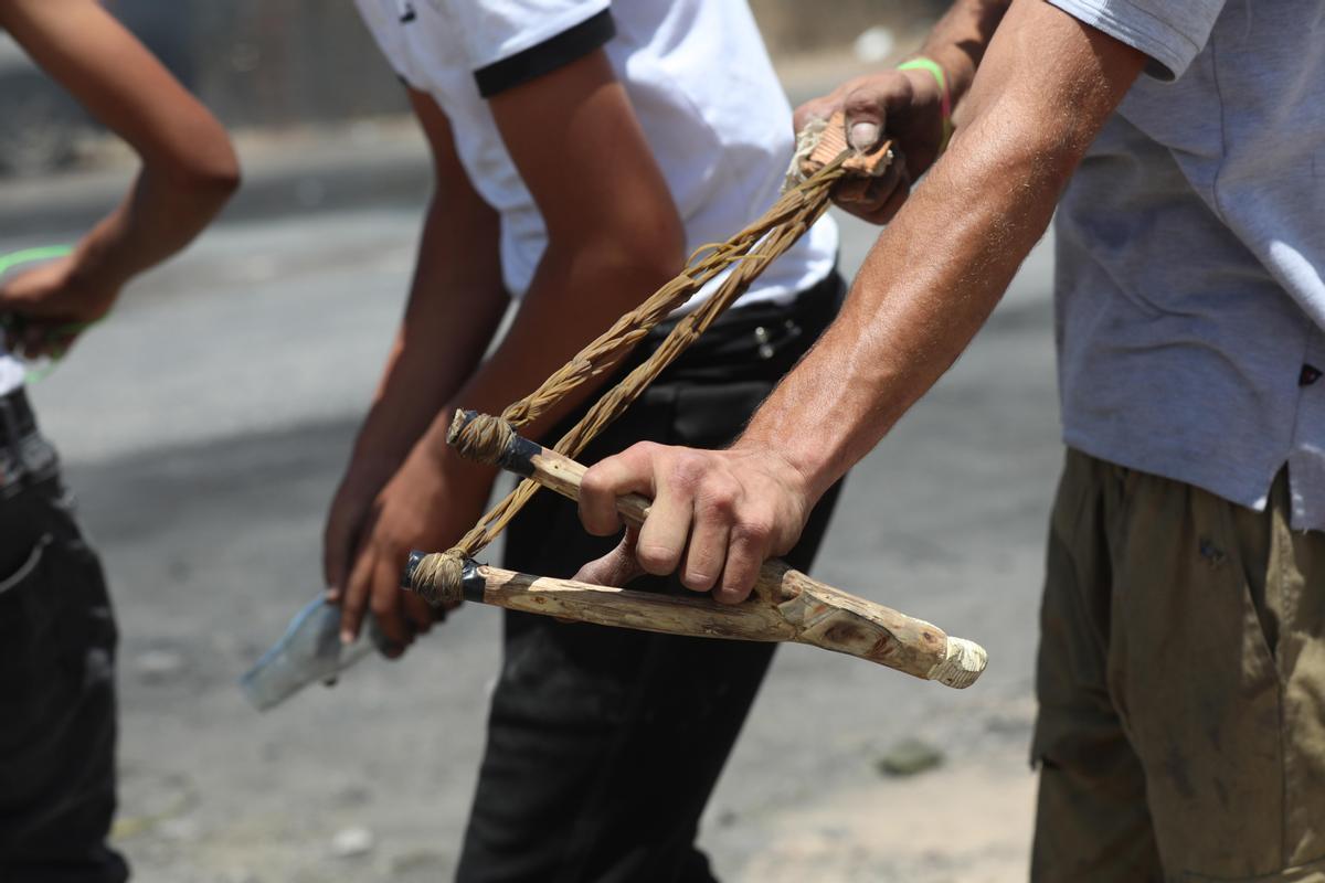 Unos manifestantes palestinos en Cisjordania.