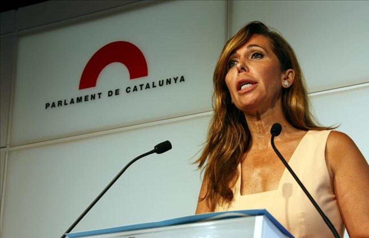 Alicia Sánchez Camacho en un momento de su rueda de prensa en el Parlament