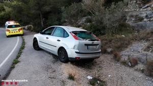 El automóvil que arrolló a las dos mujeres en Bellvei.