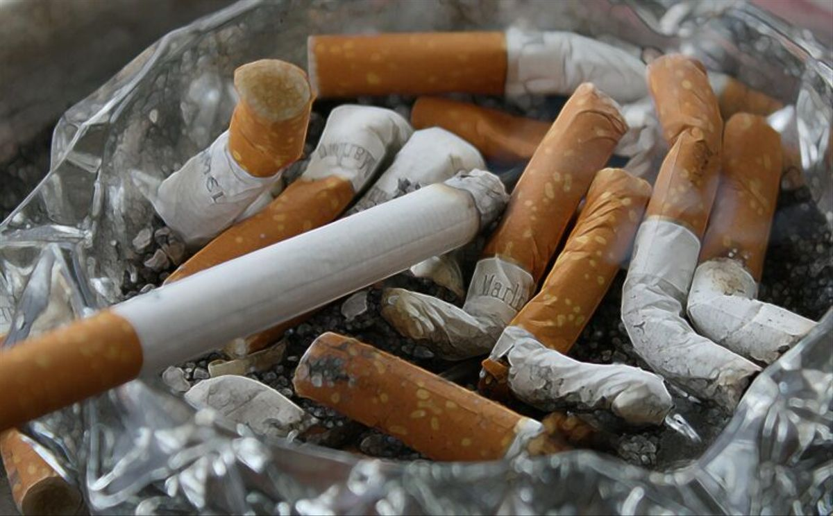 ¿Por qué los no fumadores también padecen cáncer de pulmón?