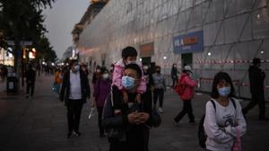 La Xina confina 11 milions d'habitants i pateix el seu pitjor brot de coronavirus en cinc mesos