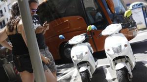 Motos eléctricas de e-Cooltra en Barcelona.