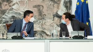 Pedro Sánchez y Pablo Iglesias durante el último Consejo de Ministros del líder morado