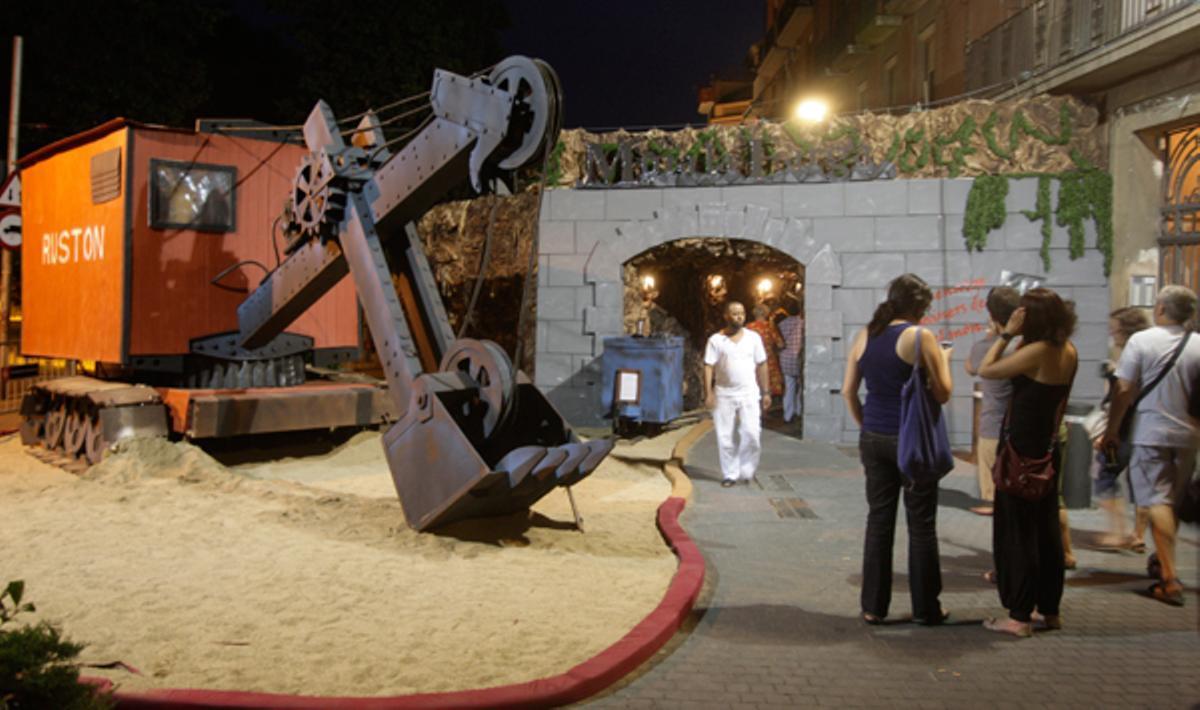 La plaza de La Farga gana el premio de la Fiesta Mayor de Sants.