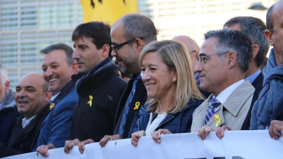Miquel Buch junto a Neus Lloveras en la manifestación que tuvo lugar en Bruselas el pasado 7 de noviembre.
