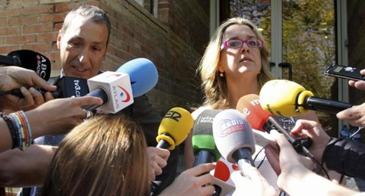 Anna Tarrés y su abogado.