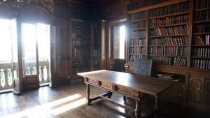 La biblioteca de Emilia Pardo Bazánen el pazo de Meirás.