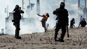 La policía usó gases lacrimógenos.