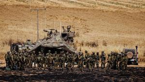 Soldados israelís de la unidad de artillería, cerca de la frontera entre Israel y la Franja de Gaza.