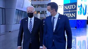 La trobada Sánchez-Biden es queda en un passeig de menys d'un minut