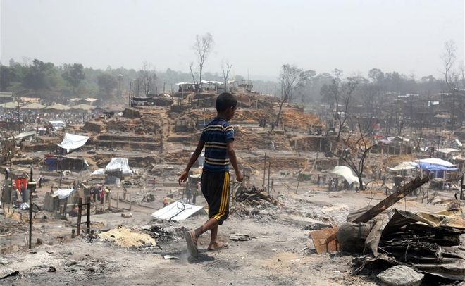 15 muertos en el incendio de un campamento de refugiados rohingyas