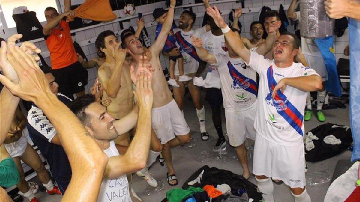 El Cartagena rebutja la denúncia de suborn en l'ascens a Segona