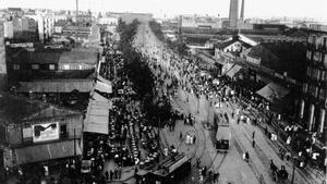 Una imagen del concurrido Paral·lel de principios del siglo XX