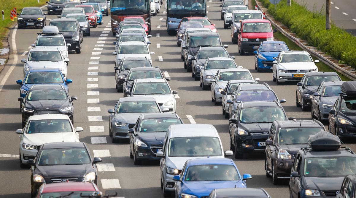 ¿Veu bé que l'Estat cobri un impost per l'ús de les carreteres?