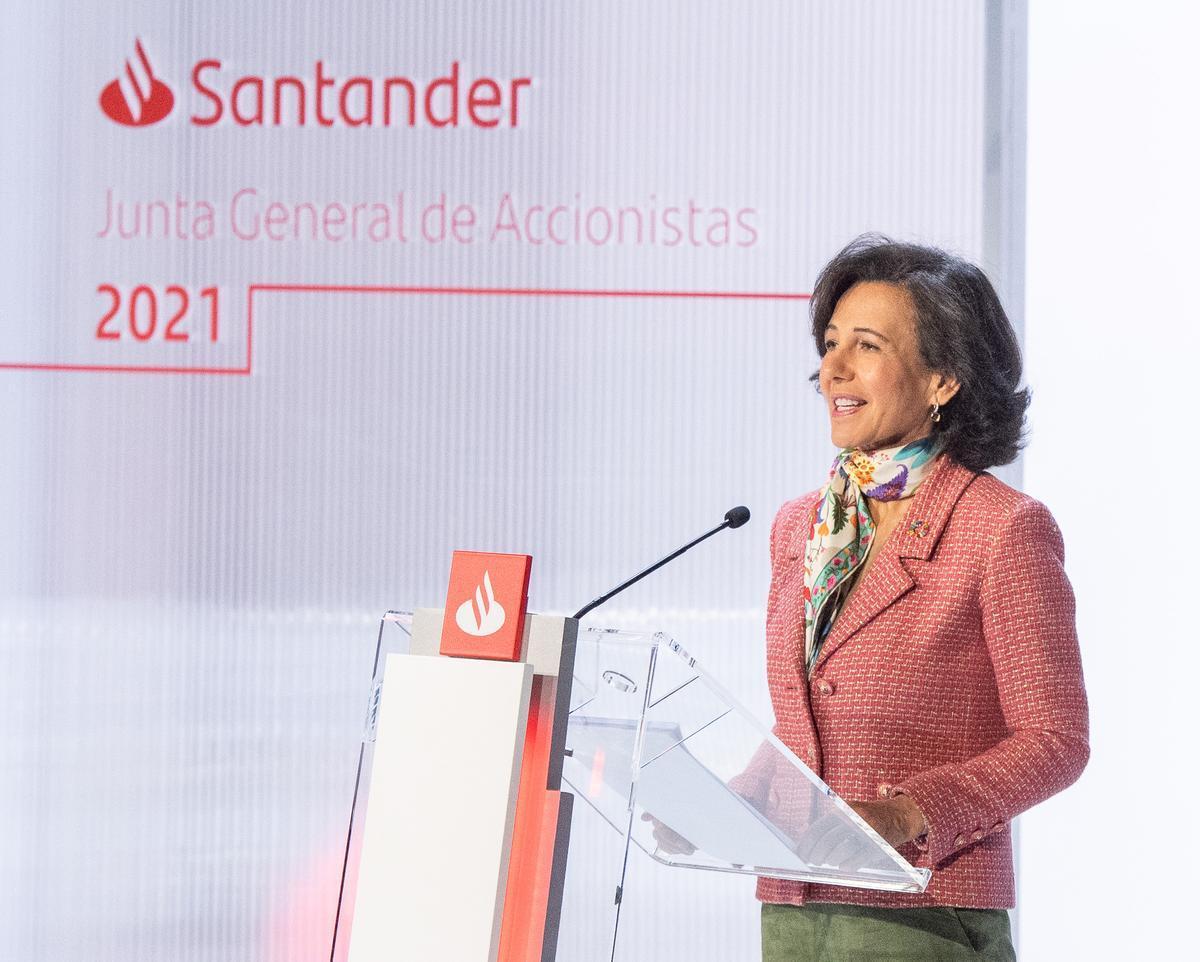 Ana Botín, presidenta del Santander, en la junta de accionistas celebrada el pasado marzo de forma telemática desde la sede operativa del banco en Boadilla (Madrid).