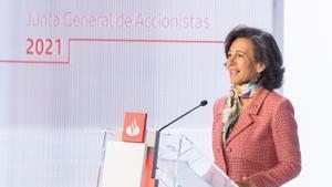 Ana Botín, presidenta del Santander, en la junta de accionistas celebrada de forma telemática desde la sede operativa del banco en Boadilla (Madrid).