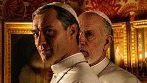 Jude Law y John Malkovich, en la primera imagen de'The NewPope'.