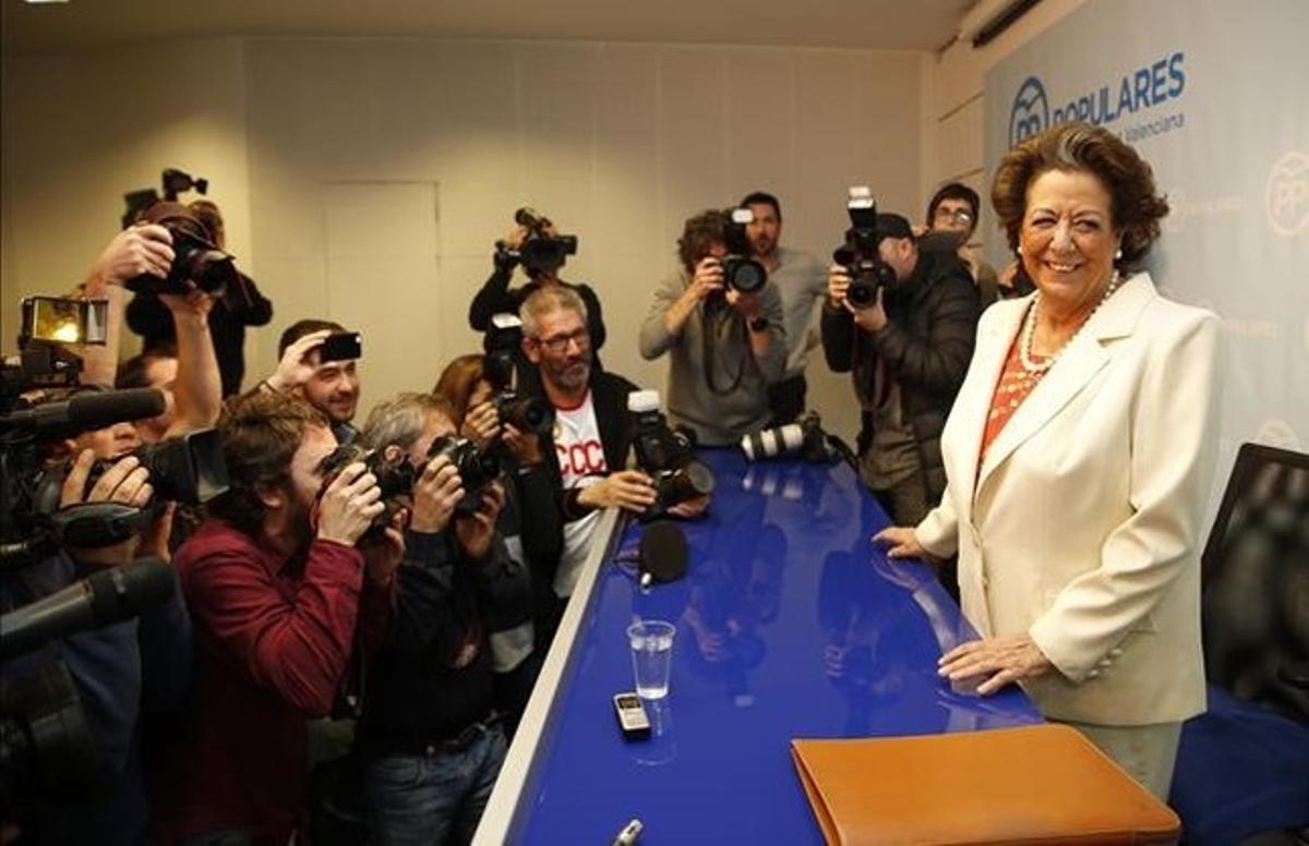 Rita Barberá, el pasado 25 de febrero, antes de iniciar la rueda de prensa.