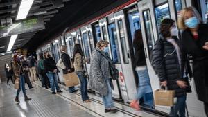 Un convoy de metro de Barcelona, en la L5.