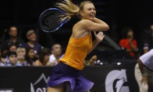 Maria Sharapova volvió a sentirse tenista ante Puig en un amistoso.