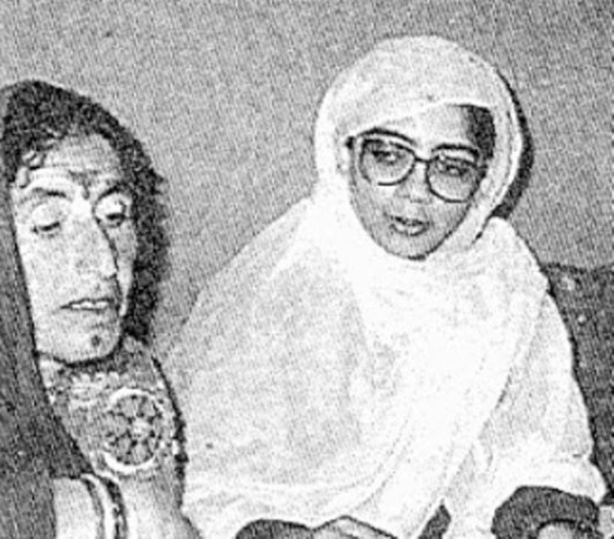 Laili Helms (derecha), estaba casada con un sobrino de Richard Helms, ex director de la CIA, y fue portavoz oficiosa de los talibanes ante las Naciones Unidas.
