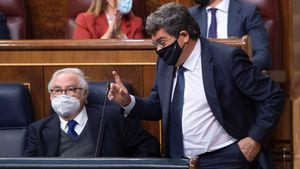 El ministro de Inclusión, Seguridad Social y Migraciones, José LuisEscrivá, interviene durante una sesión de control al Gobierno, a 19 de mayo de 2021.