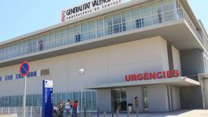 La víctima fue atendida en Urgencias del Hospital de Gandia.