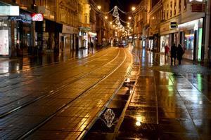 Calles vacías en la capital de Croacia, Zagreb.