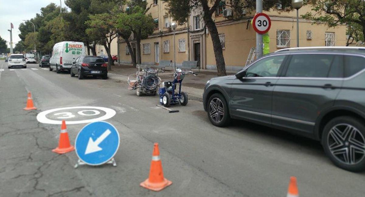 Una de las vías de Sabadell en las que se está aplicando la nueva señalización