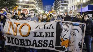 Manifestación en contra de la 'ley mordaza' en Valencia.