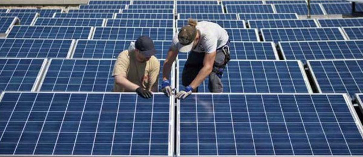 Instalación de paneles solares.