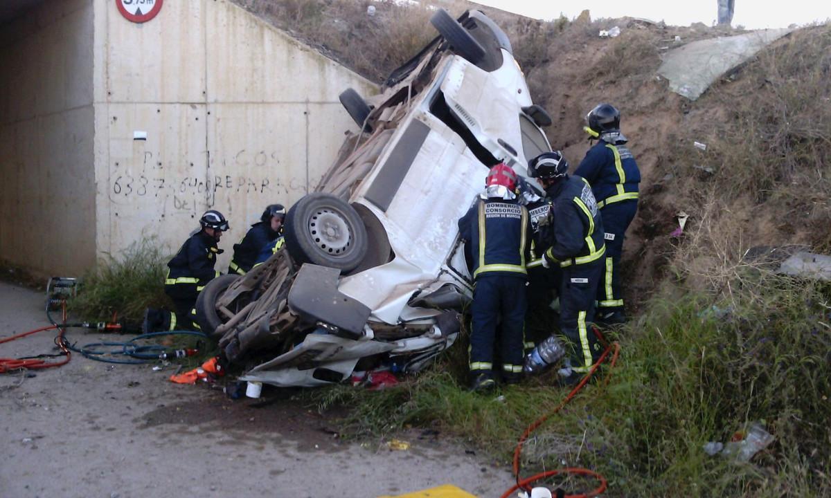 En un accidente por salida de vía ocurrido en Lorca esta semana murieron cinco personas.