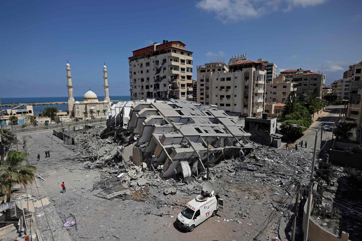 Un edificio derruido en la ciudad de Gaza a causa de los bombardeos israelís.