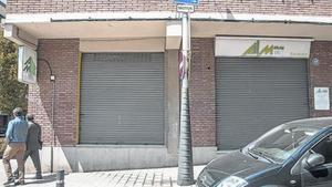 Instal·lacions de la immobiliària Ail Mar, a Sant Joan Despí, que continua tancada des del setembre.