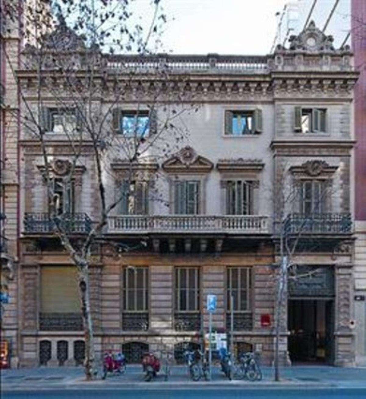 La Casa Elizalde8 Fachada del palacete de la calle de València.