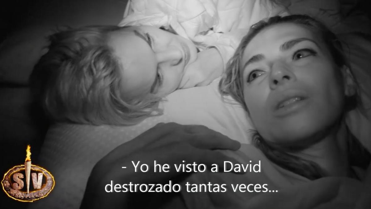 Olga Moreno conversando con Marta López en 'Supervivientes 2021'