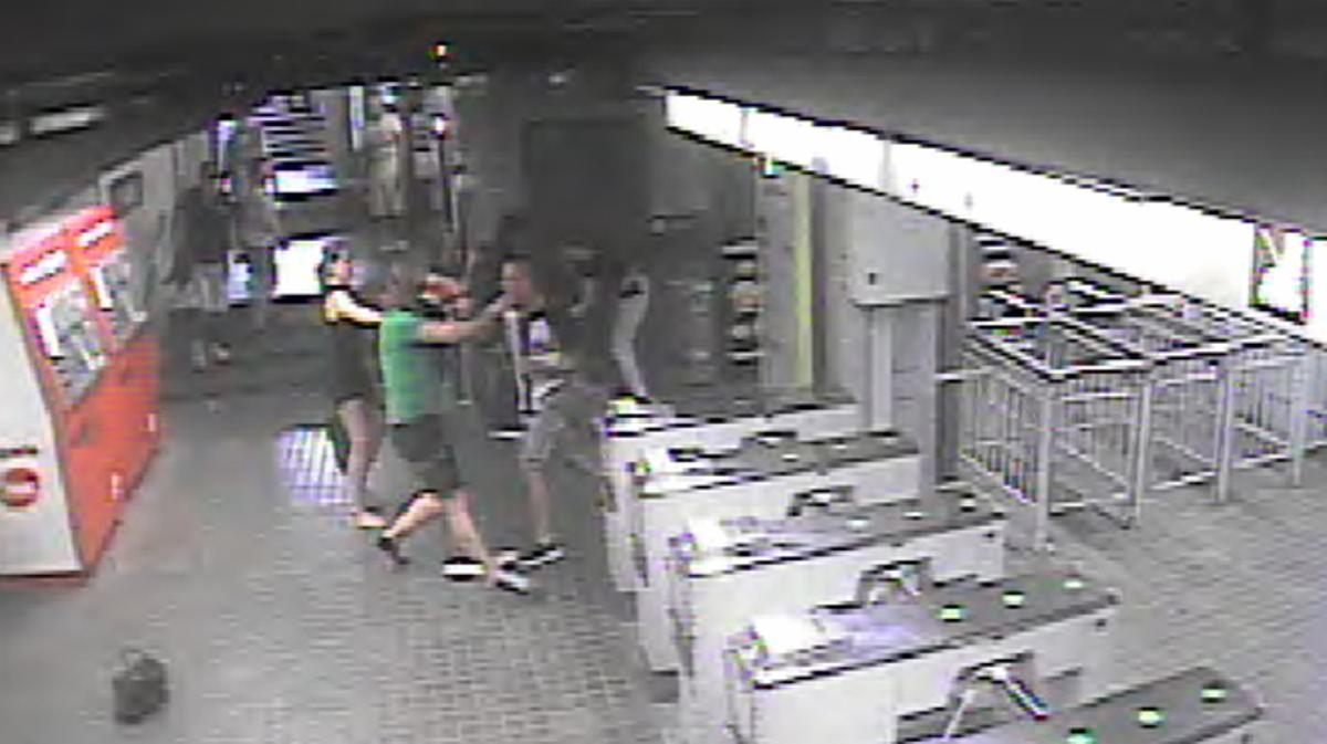 Agresión en el metro de Horta, en agosto del 2015.