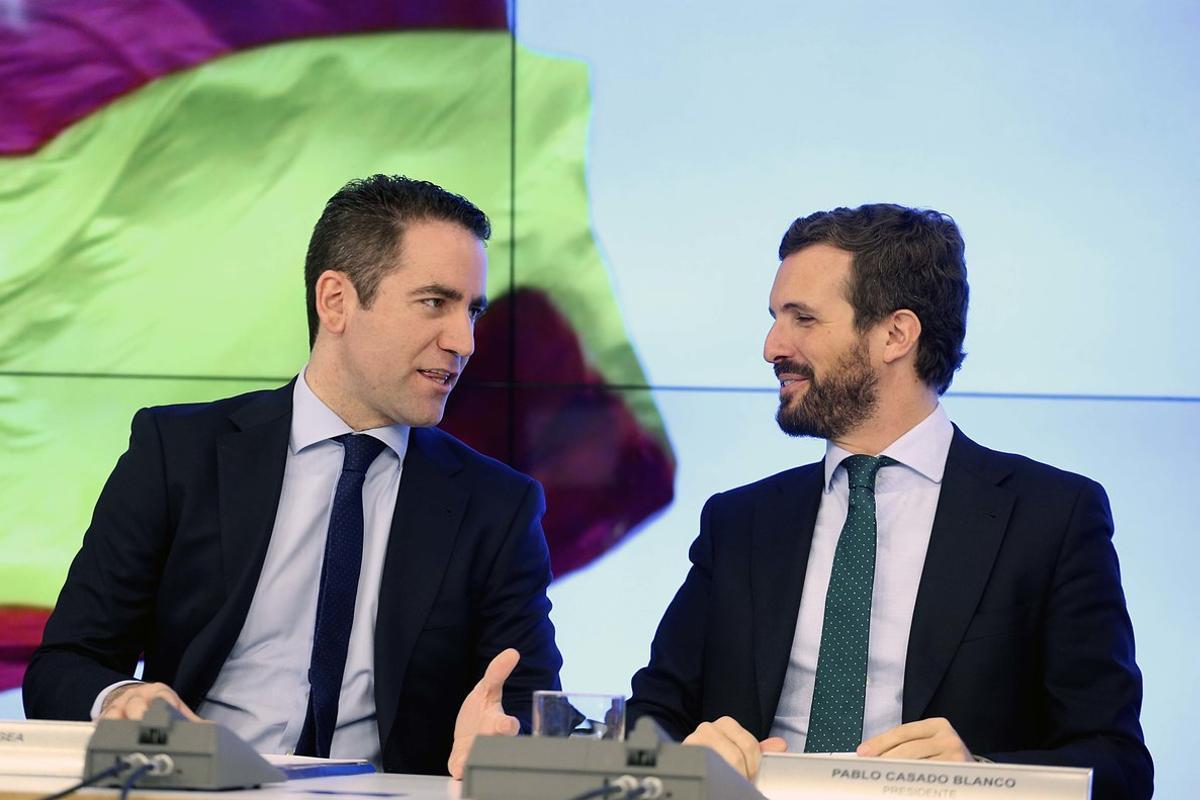 El presidente del PP, Pablo Casado, junto Teodoro García Egea, secretario general del partido.