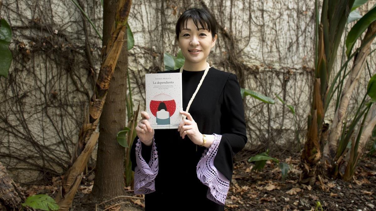 La escritora japonesa SayakaMurata.