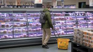 Departamento de preparados de carne de Bon Preu.