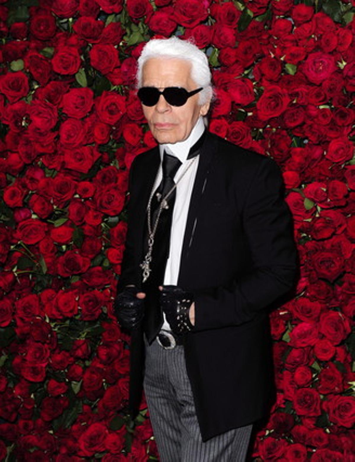 El diseñador de moda alemán Karl Lagerfeld, el pasado martes, 15 de noviembre de 2011, en una gala benéfica en Nueva York.