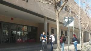 Més de 250 companys del jove encomanat a Alacant no acudeixen a l'institut