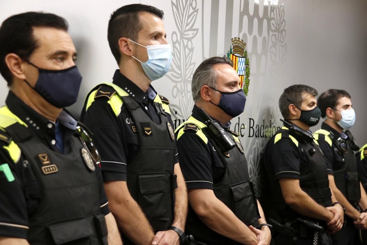 Agredits quatre agents de la Guàrdia Urbana de Badalona després de detectar una plantació de marihuana