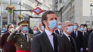 El líder del Partido Popular, Pablo Casado, asiste al acto de celebración de la fiesta de la Comunidad de Madrid.